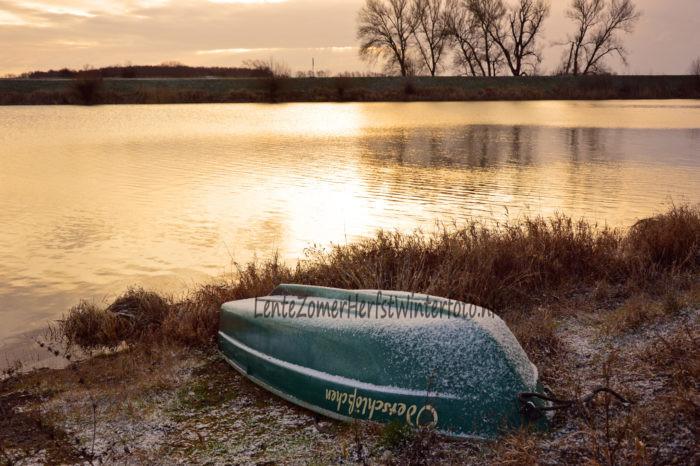 Winterfoto vorst op boot